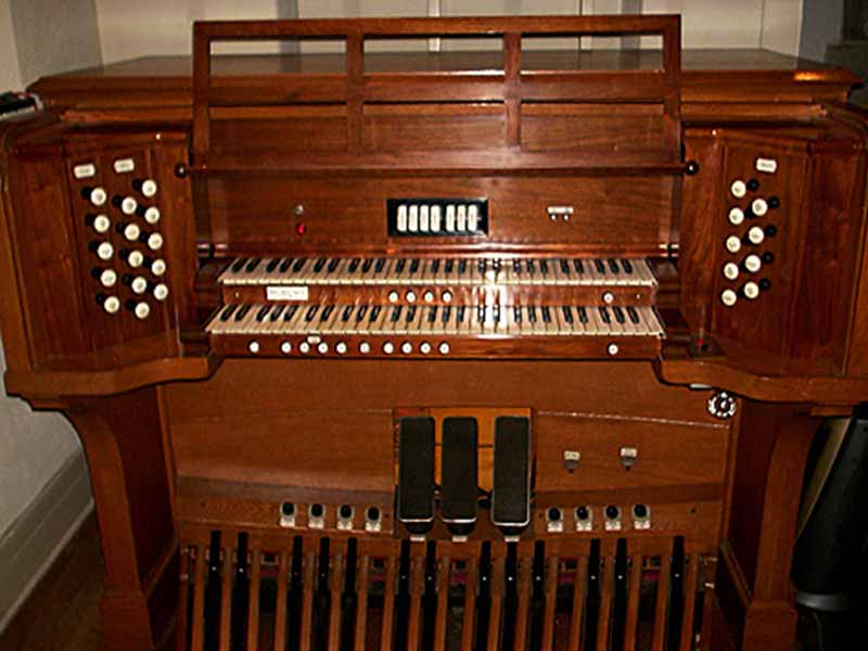 Music-_0000_ChapelOrgan